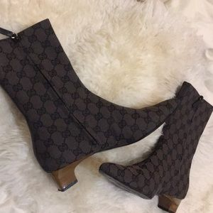 Authentic Gucci canvas pointed toe ankle boot